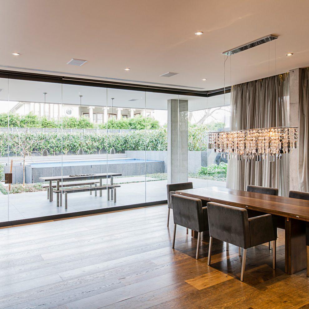 LIVE House Glass